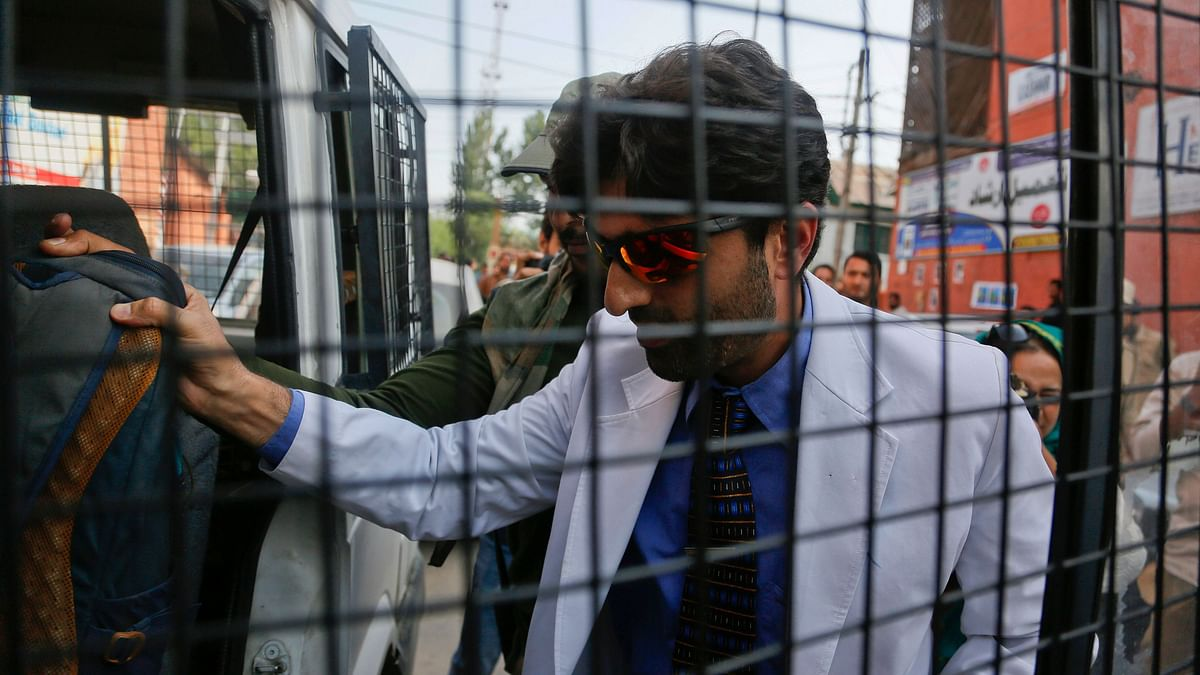 Kashmir Doc Says Hospitals in Crisis, Then Cops Take Him Away