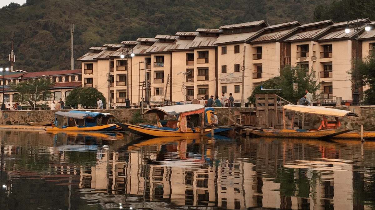 Article 370: Houseboat Business in Srinagar at a Standstill
