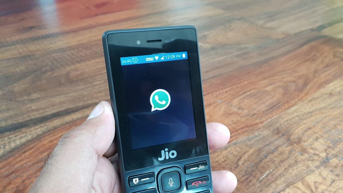 JioPhone supports popular apps like WhatsApp.
