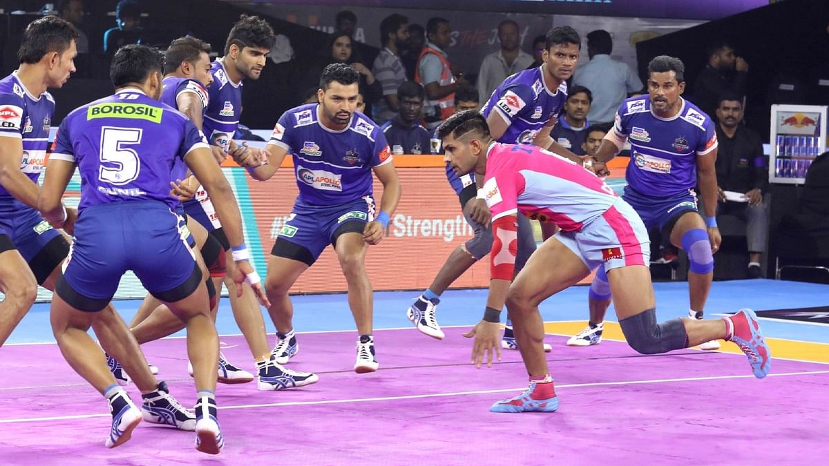 Jaipur began the game strongly by getting Naveen off the mat in the fifth minute do-or-die raid.
