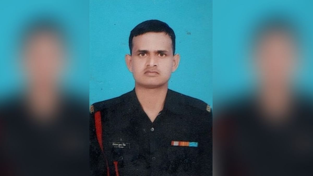 Jawan Killed, 4 Injured in Cross-Border Firing by Pak Along LoC