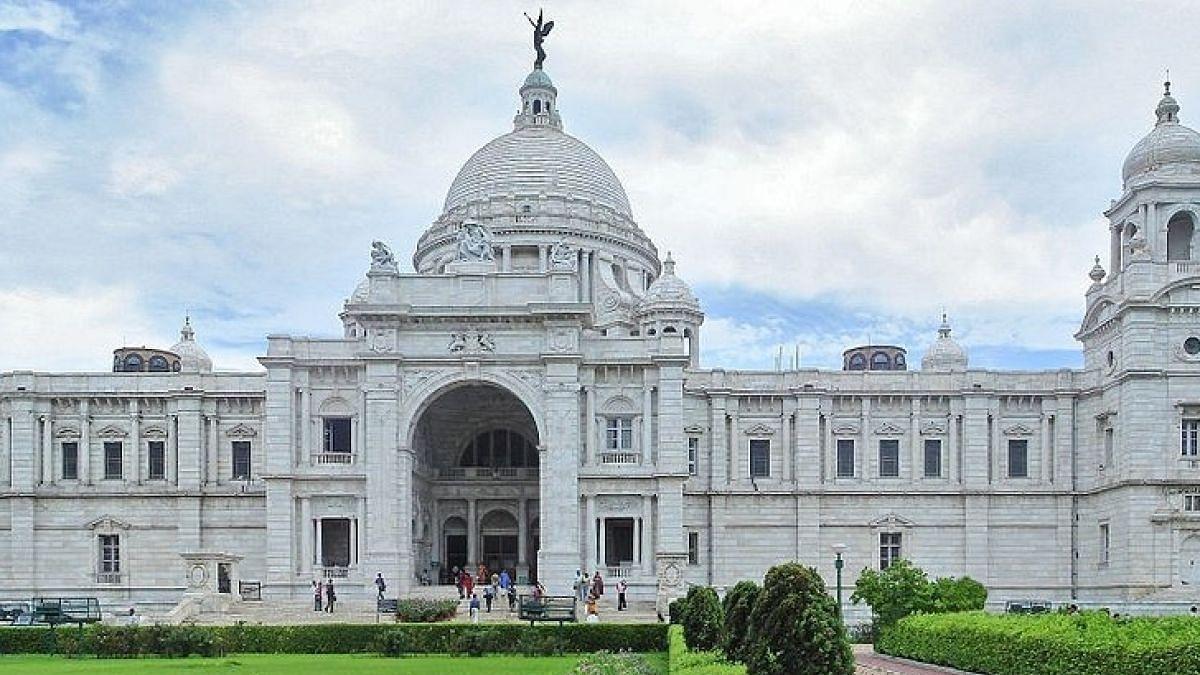 1 Dead,16 Injured As Lightning Strikes Kolkata's Victoria Memorial