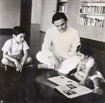 Vikram Sarabhai with his children Kartikeya and Mallika