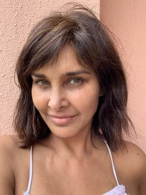 At a time when filters dominate the world of social media, Lisa Ray has come out and shared an unfiltered picture of herself. In the photo, the actress appears to be without makeup and yet looks very pretty.