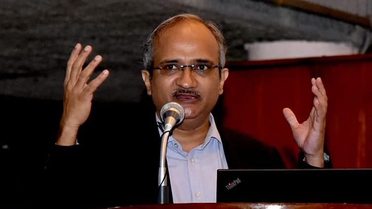 MTech Fee Hike 'Surgical Strike' on the Uninterested: IIT-D Head