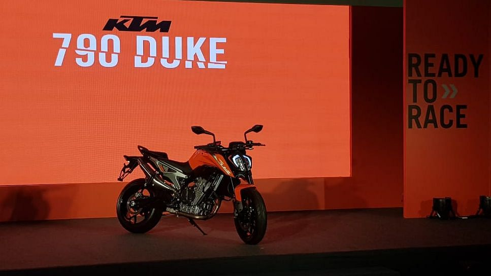 The KTM 790 Duke competes with the Triumph Street Triple and Suzuki GSX 750.