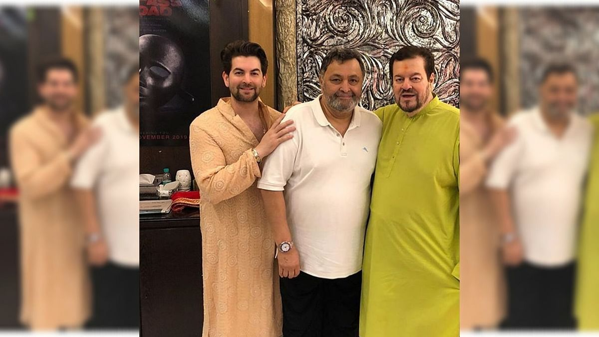 Rishi Kapoor Visits Neil Nitin Mukesh's Home for Ganpati Darshan