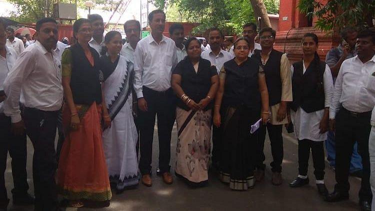 Madras HC Lawyers Boycott Court Protesting CJ Tahilramani Transfer