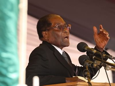 HARARE, Nov. 1, 2017 (Xinhua) -- Zimbabwean President Robert Mugabe addresses a gathering in Harare, Zimbabwe, Nov. 1, 2017. Robert Mugabe on Wednesday reaffirmed his support for death penalty in the wake of increased murder cases in the country. (Xinhua/IANS)