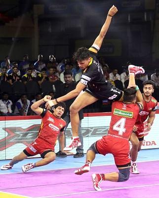 Bengaluru: Players in action during Pro Kabaddi Season 7 match between Bengaluru Bulls and Telagu Titan at Kanteerava Stadium in Bengaluru on Sep 6, 2019. (Photo: IANS)