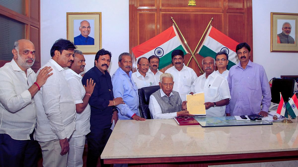 The rebel MLAs submit their resignations to Karnataka Governor Vajubhai Vala.