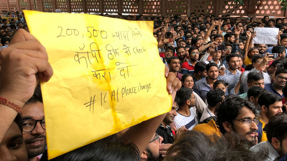 Students protest at ICAI office