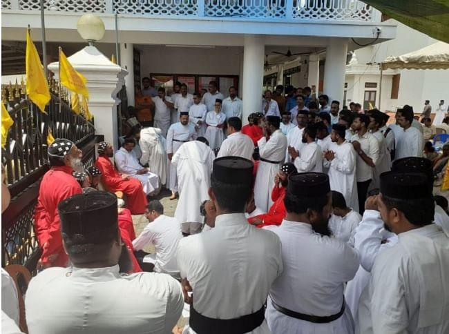 Jacobites-Orthodox Clash: Kerala Cops Enter St Mary's Church