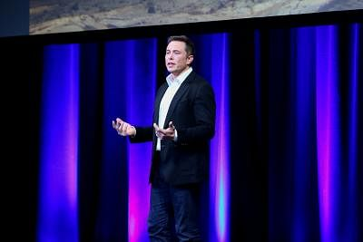 ADELAIDE, Sept. 29, 2017 (Xinhua) -- Elon Musk, Chief Executive Officer (CEO) of Space Exploration Technologies Corporation (SpaceX), speaks on the final day of the 68th International Astronautical Congress (IAC) in Adelaide, Australia, on Sept. 29, 2017. SpaceX unveiled its plans to put humans on Mars as early as 2024 in Australia on Friday. (Xinhua/Yan Han/IANS)