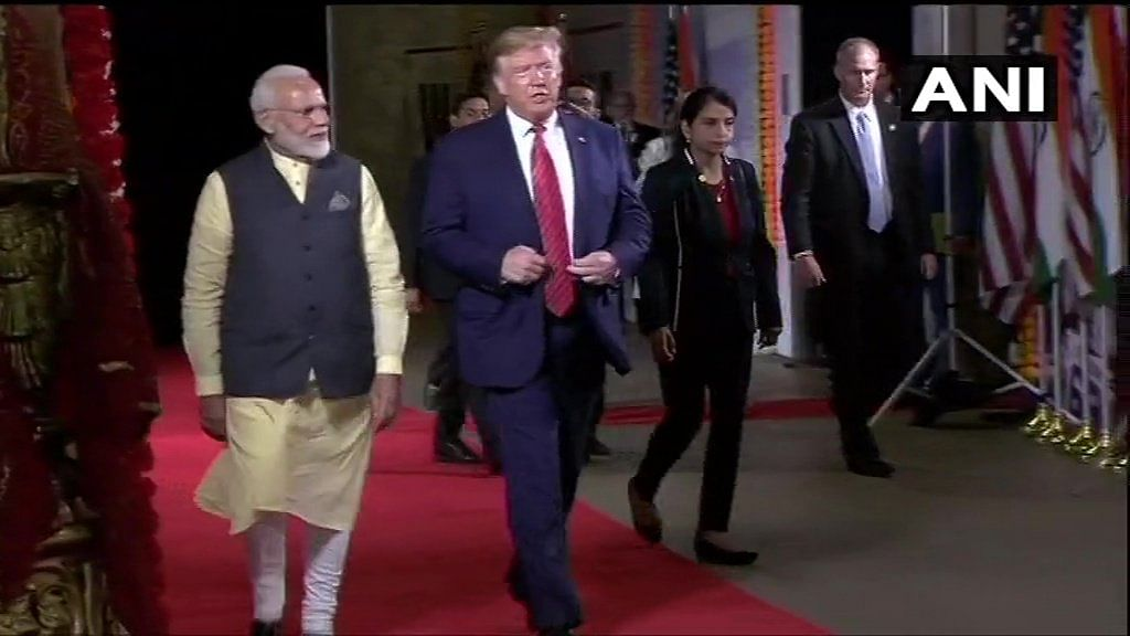 PM Modi & Trump End 'Howdy, Modi' With Victory Lap After Speeches