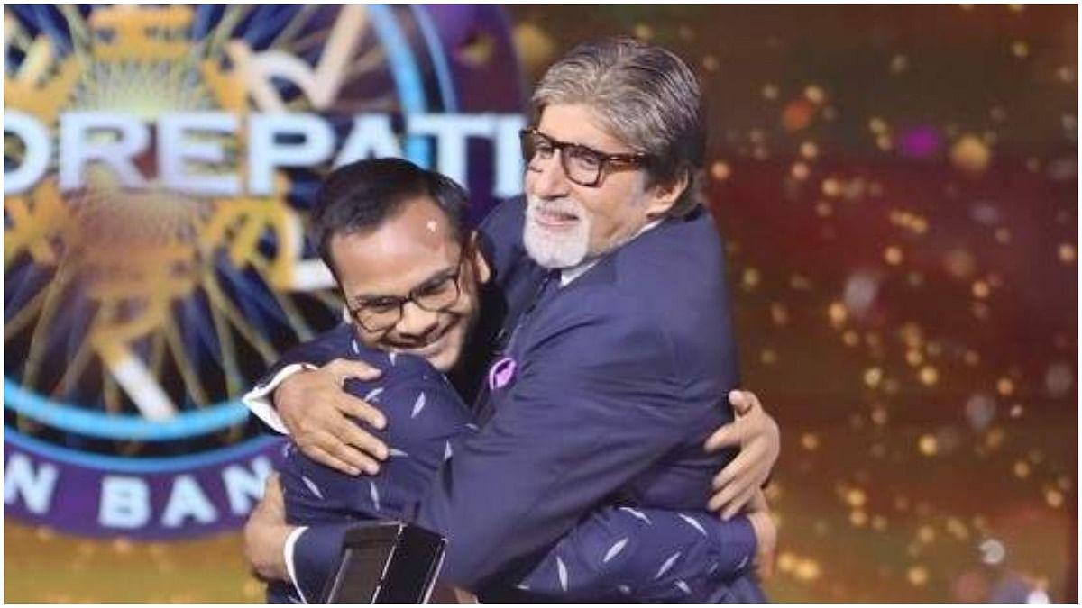 KBC 11 Crorepati Sanoj Raj: Amitabh Bachchan with KBC's first <i>crorepati<i>, Sanoj Raj.</i></i>