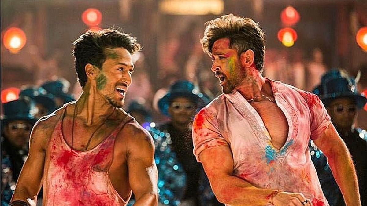 Hrithik and Tiger Have a Colourful Dance-Off in New 'War' Song