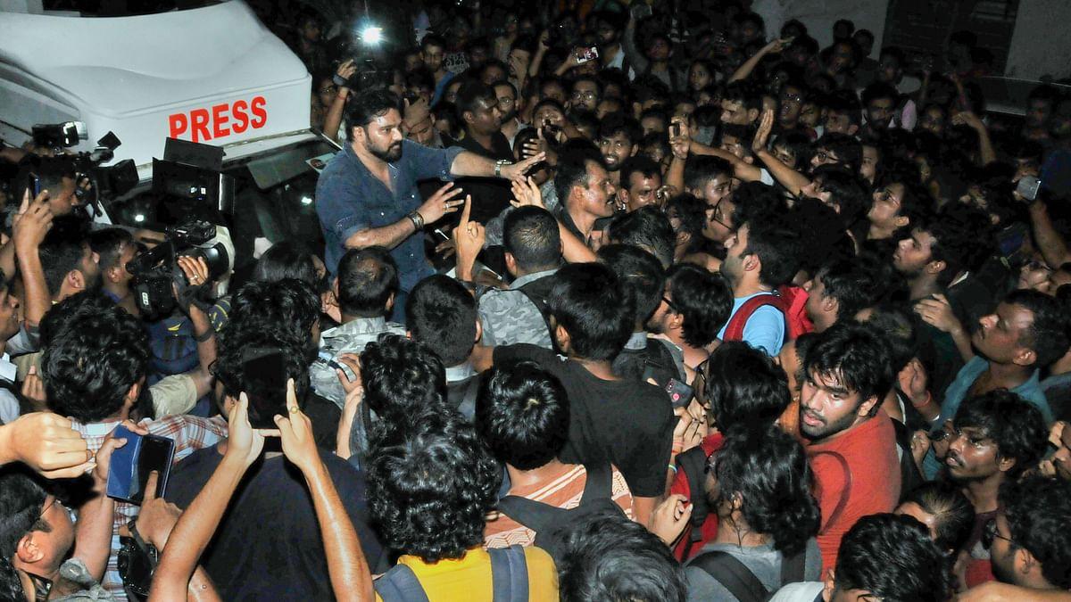 Babul Supriyo heckled by students at Jadavpur University in Kolkata on 19 Sepember.