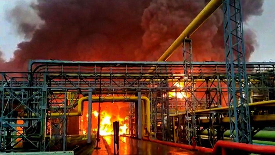 QMumbai:  3 CISF Men Killed in Blaze at ONGC Plant & More