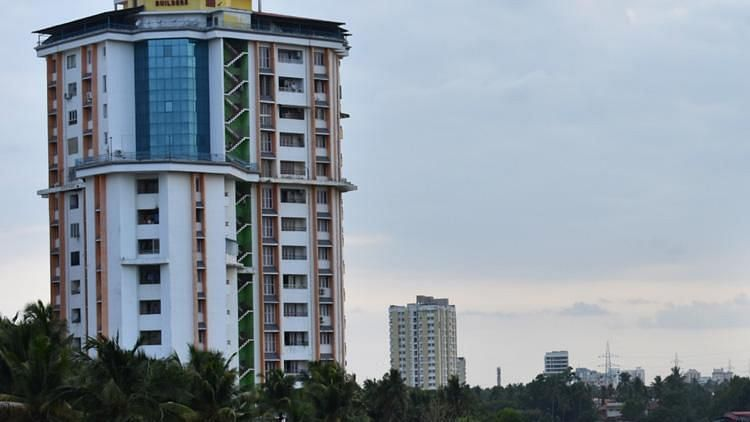 Supreme Court gave an ultimatum to demolish the four apartment buildings in Kochi built violating CRZ norms