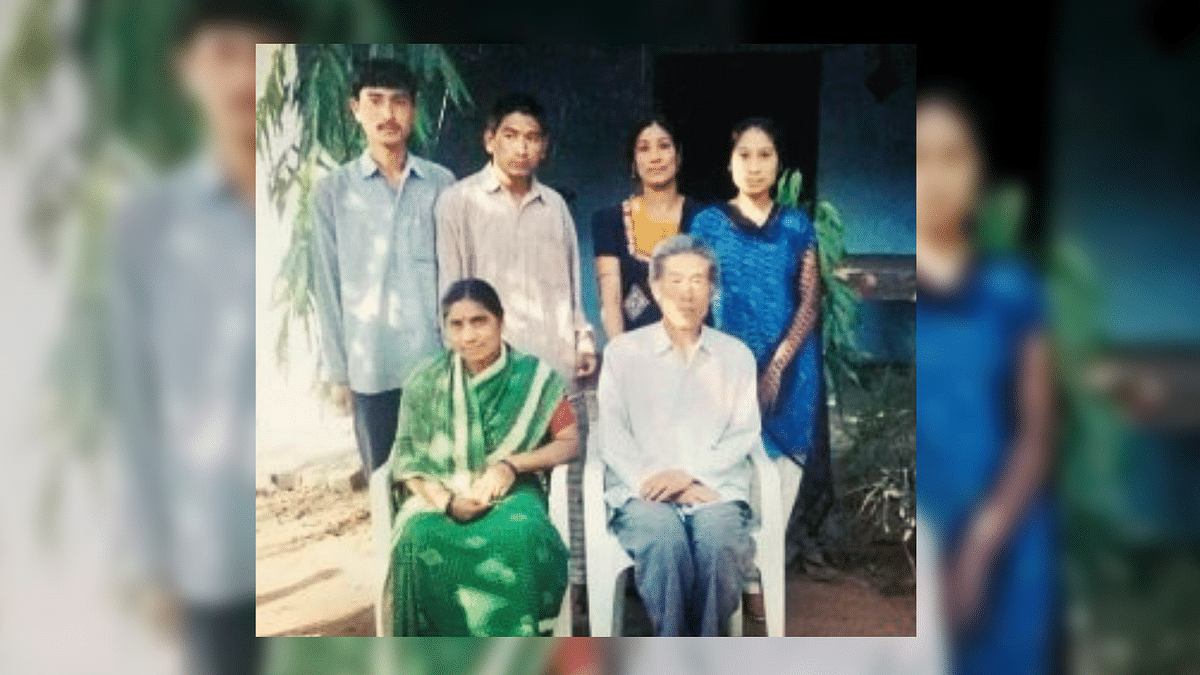 Chinese Army Veteran Gets Visa to Visit His Family in India