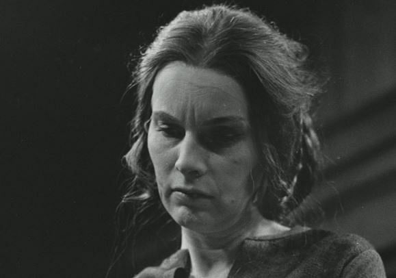 Pat Galloway as Lady Macbeth in a 1971 production of Shakespeare's 'Macbeth'.