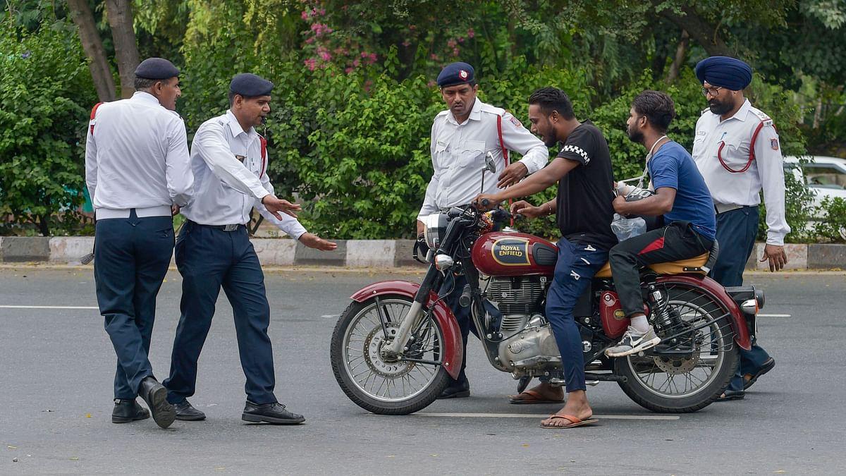 QAhmedabad: Deadline on Compulsory Helmet Pushed; 21-Yr-Old Raped
