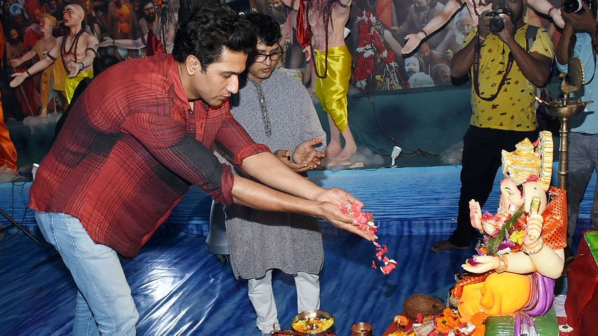 In Pics: Vicky Kaushal Prays to Ganesha for Blessings, More Hits