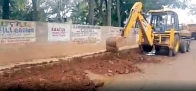 The Bruhat Bengaluru Mahanagara Palike (BBMP) promptly responded to a novel complaint of street artist Baadal Nanjundaswamy by fixing potholes on which he amoon-walked