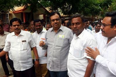Chennai: Tamil Nadu Congress Committee president EVKS Elangovan visits at DMK President M. Karunanidhi