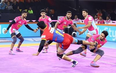 Pune: Players in action during Pro Kabaddi Season 7 match between Jaipur Pink Panthers and UP Yoddha at Shree Shiv Chhatrapati Sports Complex in Pune on Sep 16, 2019. (Photo: IANS)