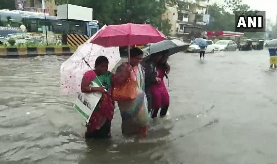 Heavy rains causing water-logging in Navi Mumbai.