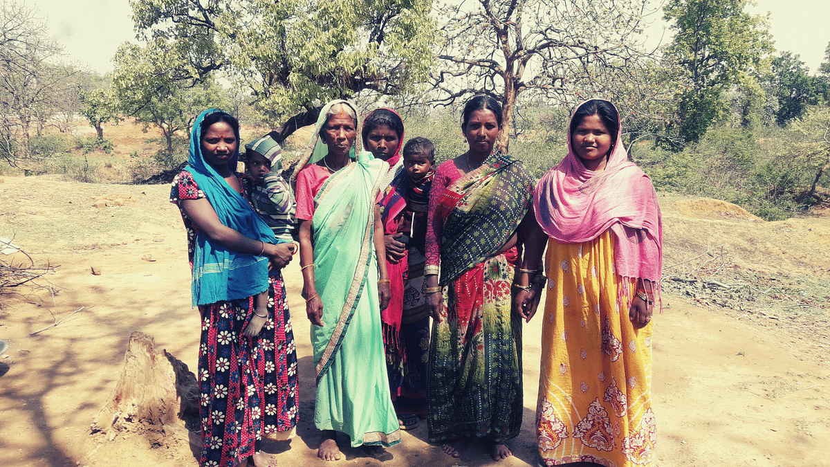 Sadhni (second from left), with her patients.