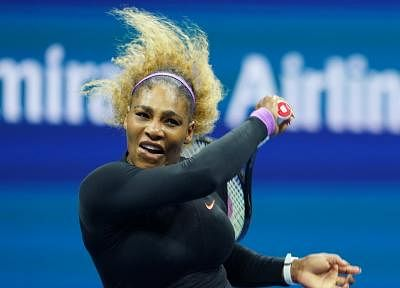 NEW YORK, Sept. 6, 2019 (Xinhua) -- Serena Williams hits a return during the women