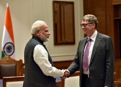Prime Minister Narendra Modi and Bill & Melinda Gates Foundation Co-Chairman Bill Gates. (Photo: IANS/PIB)