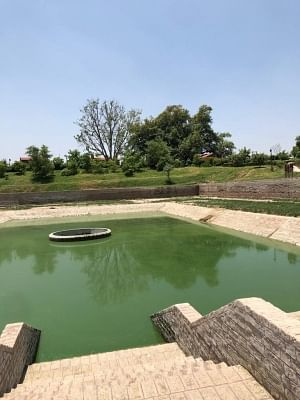 Subhari Rishi did Tapasya in water of this Tal and Yamunaji. He performed a Yagya for Maharaja Mandhana of Ayodhya when there a was long spell of drought.