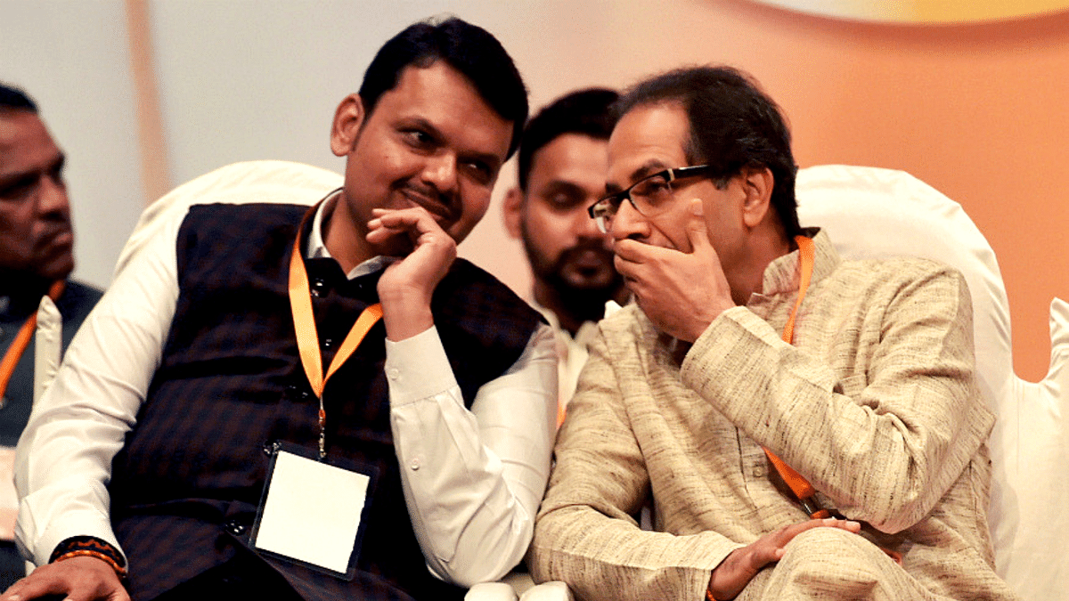 Maharashtra leader of opposition Devendra Fadnavis (left) and Chief Minister Uddhav Thackeray (right).