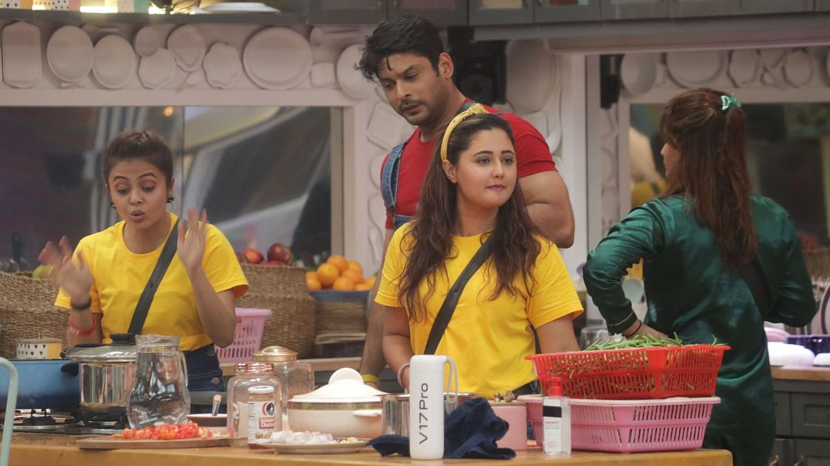'Bigg Boss 13' Day 17: Contestants Try to Outplay Bigg Boss