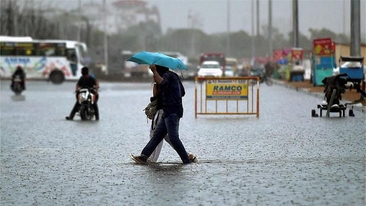 Cuddalore, Thanjavur and Villupuram likely to get isolated heavy showers. File image of rains in Tamil Nadu.