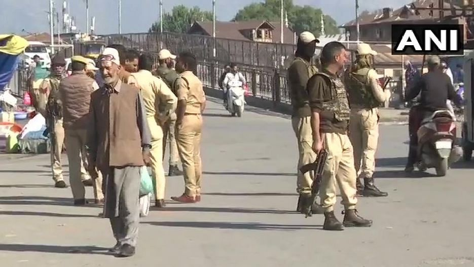 At Least 5 Civilians Injured in Grenade Attack in Srinagar Market