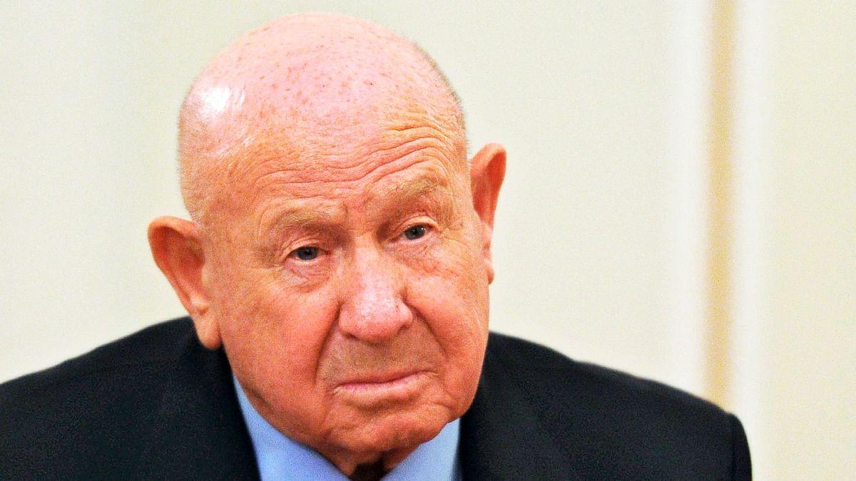 1st Human to Spacewalk Dies at 85: Russian Cosmonaut Alexei Leonov