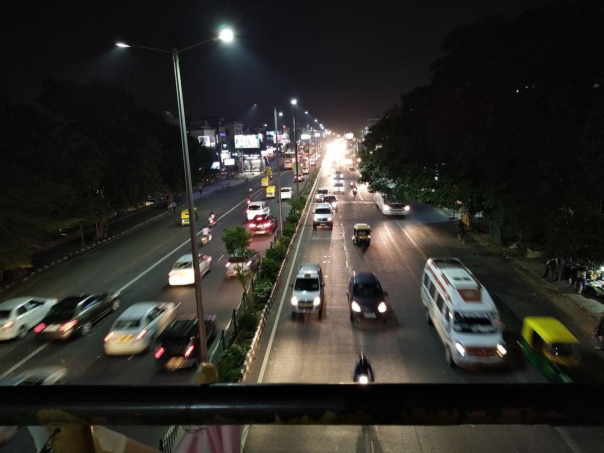 Shot under streetlight