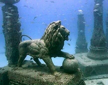Statue of lion from Egypt.