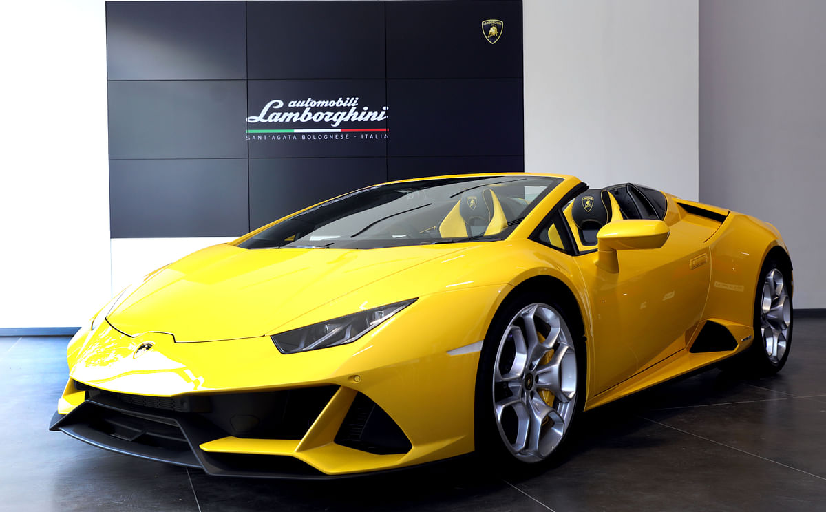 This is the new Huracan Evo Spyder.