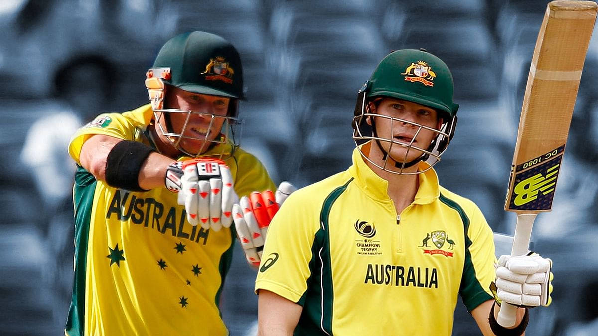 David Warner (L) and Steve Smith (R).