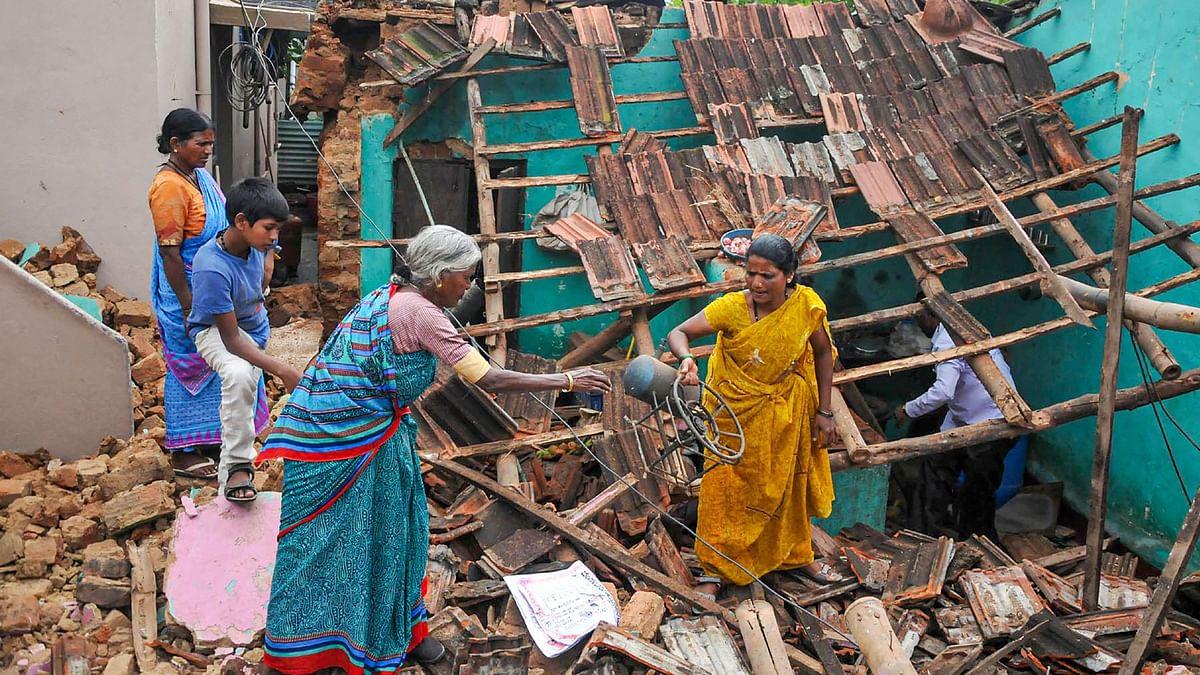 Heavy Rains Lash Karnataka, Kerala & Tamil Nadu; Red Alert Issued