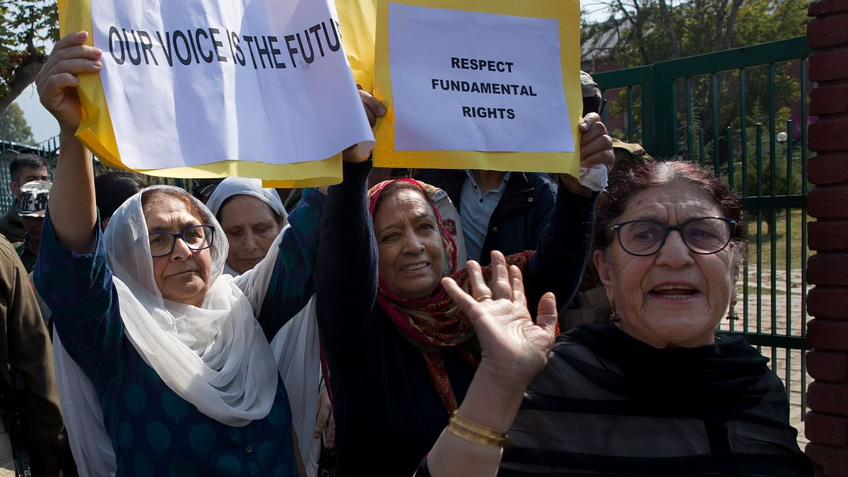 Sister and Daughter of Farooq Abdullah Detained During Protest