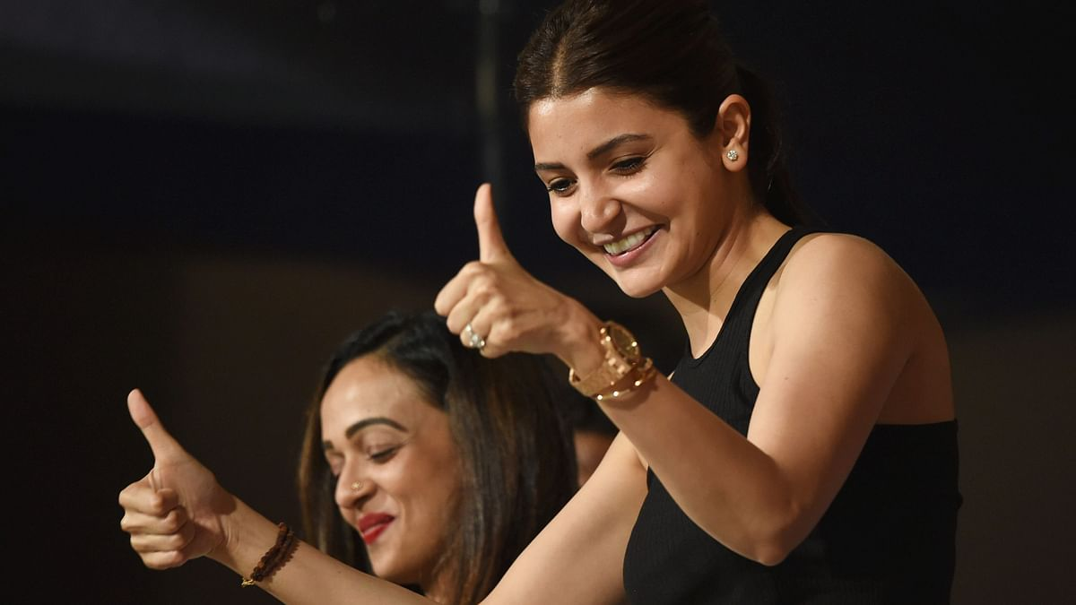 Bollywood Applauds Anushka's Strength As She Takes On Engineer