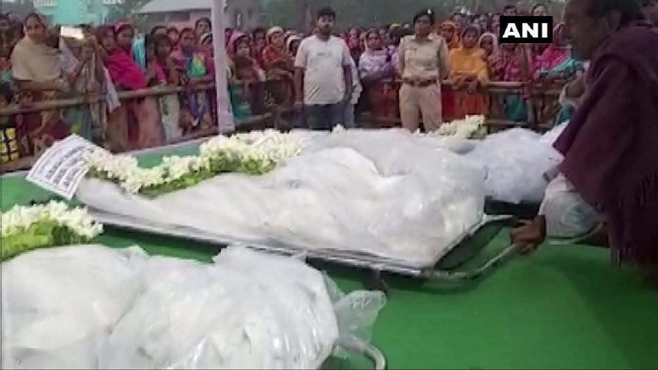 Bodies of Migrant Labourers Killed in J&K Handed Over to Kin in WB