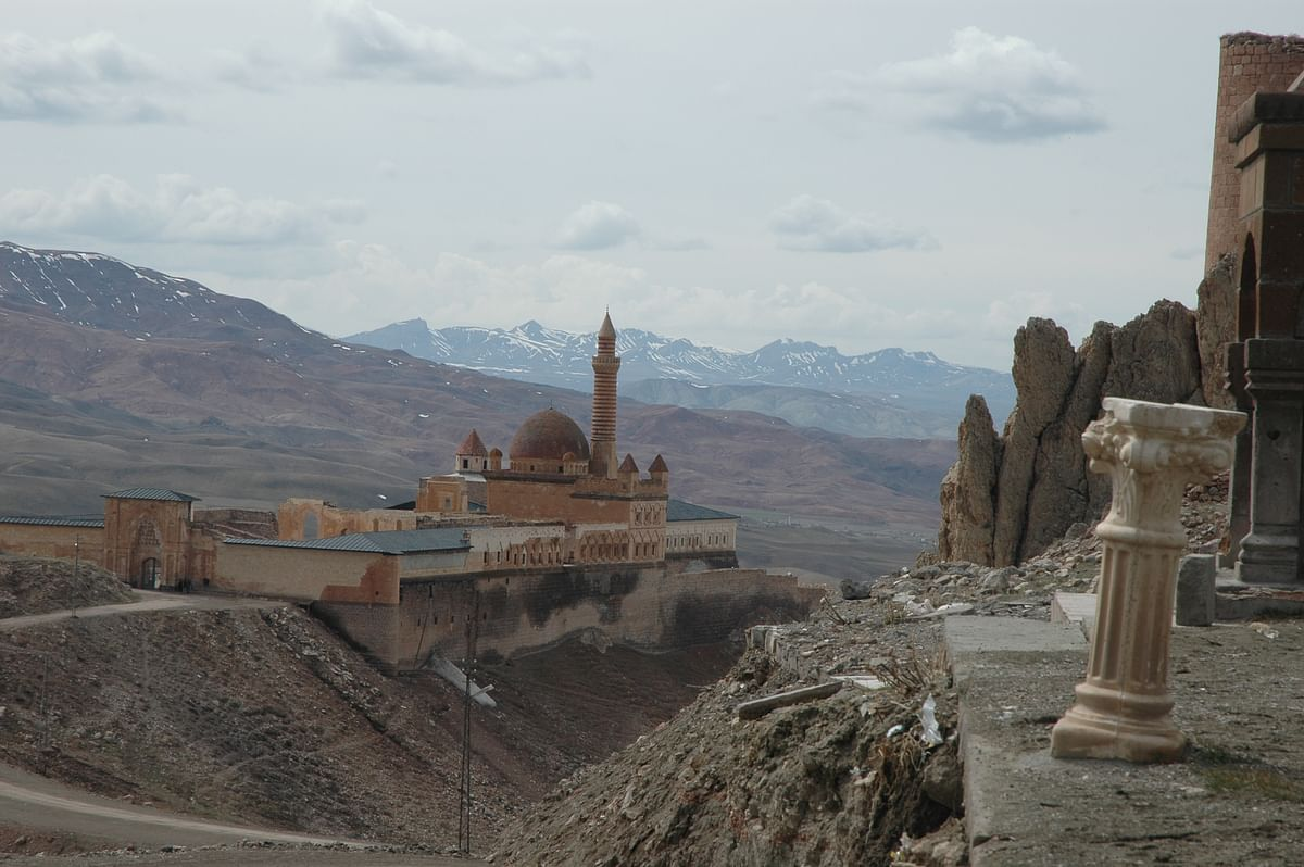 Begun in 1685 by Colak Abdi Pasa, a Kurdish chieftain, the fabled Ýshak Pasha Castle now has the solemnity, the silence, the soft gloom and the brooding mystery of a remote antiquity.